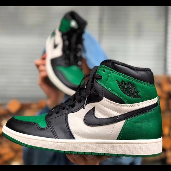 6a59435fd763 Air Jordan 1 Retro Hi OG Pine Green